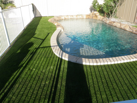 Pool surrounds gallery recreational surfaces australia for Garden pool surrounds